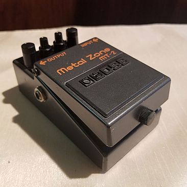 USED Boss MT-2 Metal Zone Effects Pedal